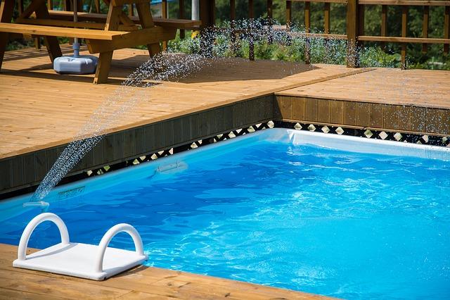 plastové schůdky do bazénu.jpg