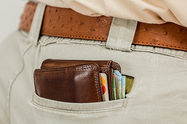 peněženka na zadku