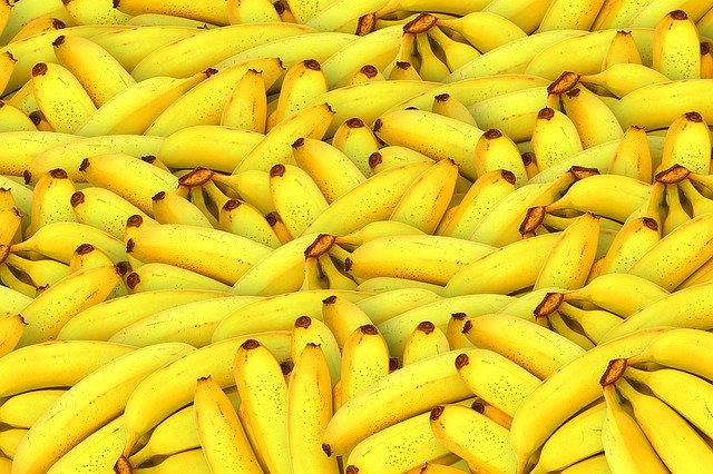 hromada banánů